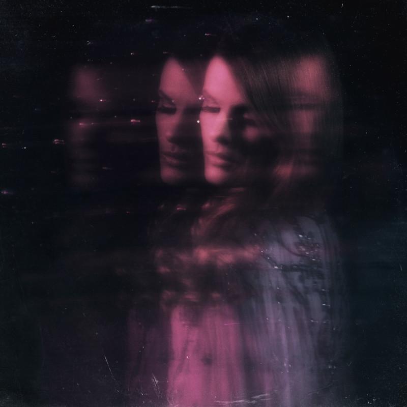 Kopia av pinkmoon-omslag-plain